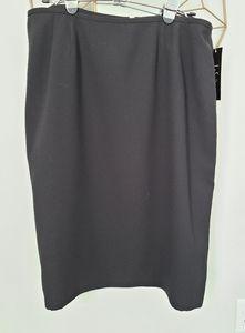 Le Suit classic black pencil skirt